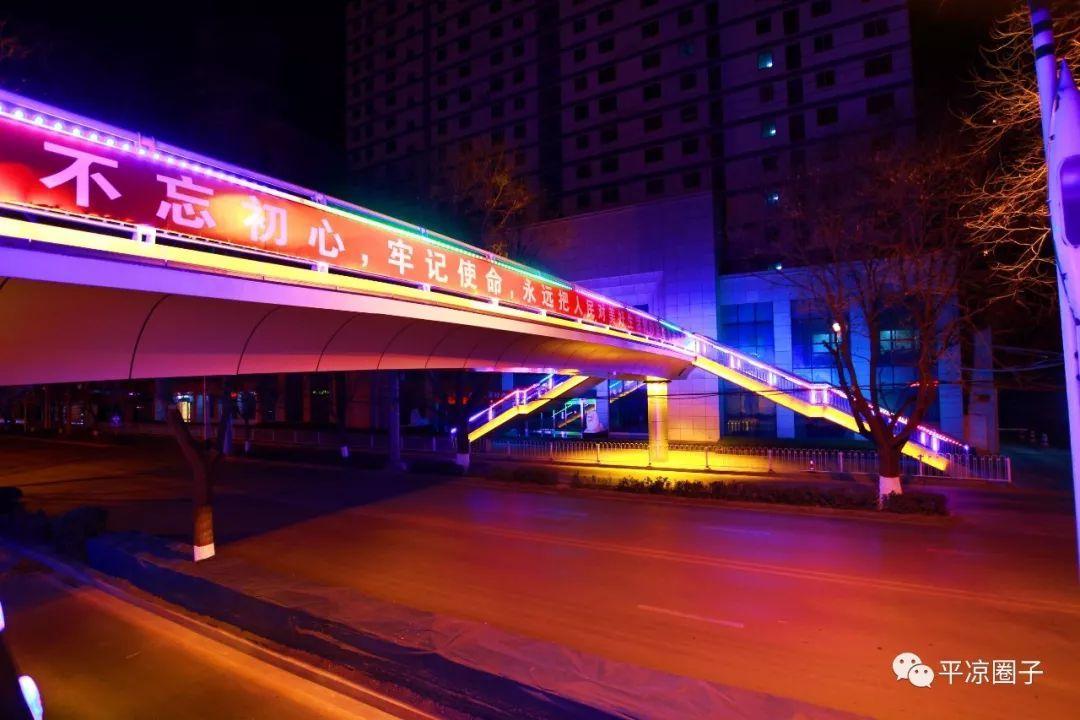 西大街文化巷口人行天桥正式通行!圈子摄影师拍到其12