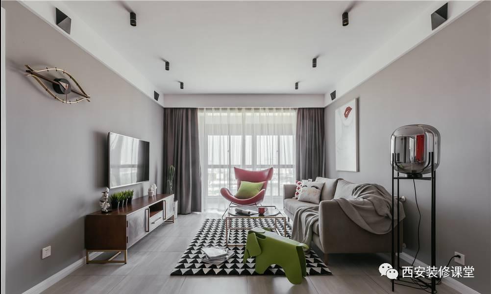 清新北欧客厅,无吊顶四周宽边石膏板装饰,明装筒灯照明图片