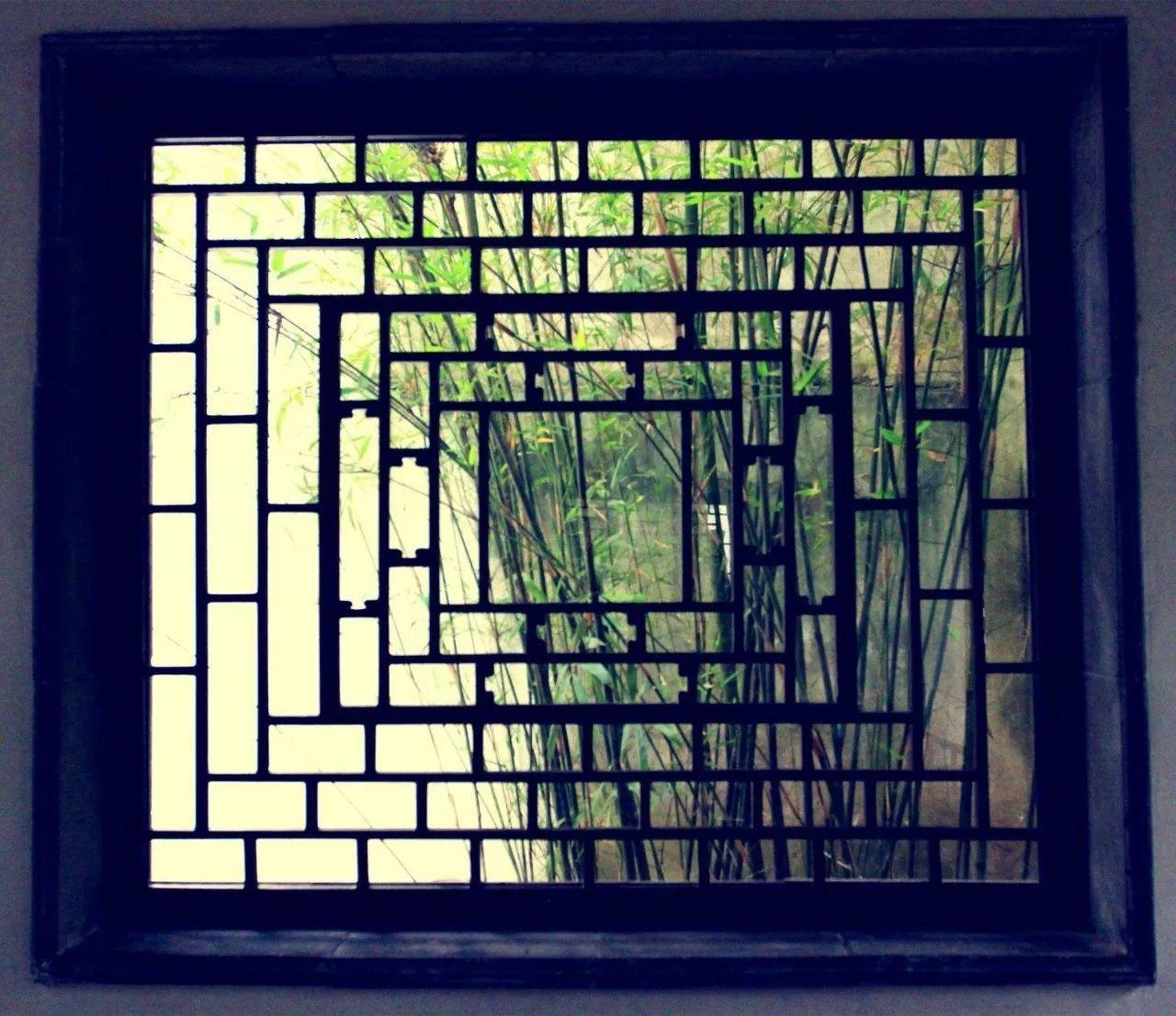 文化 正文  中国古代园林建筑中,窗户是一种诗意的写照,窗户花纹的