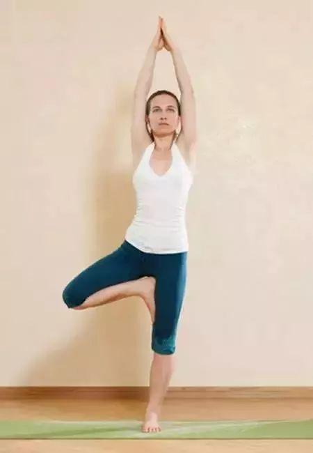 体育 正文  最简单的瑜伽体式之一,能够放松身心,缓解前几个体式坐图片