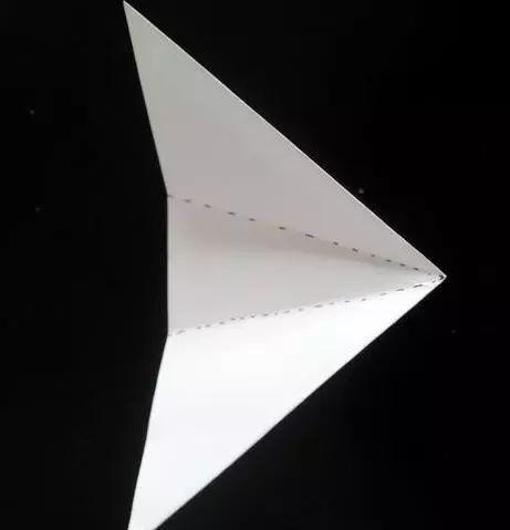 幼儿园圣诞折纸,剪纸手工制作,一张纸也能给你变出新花样!