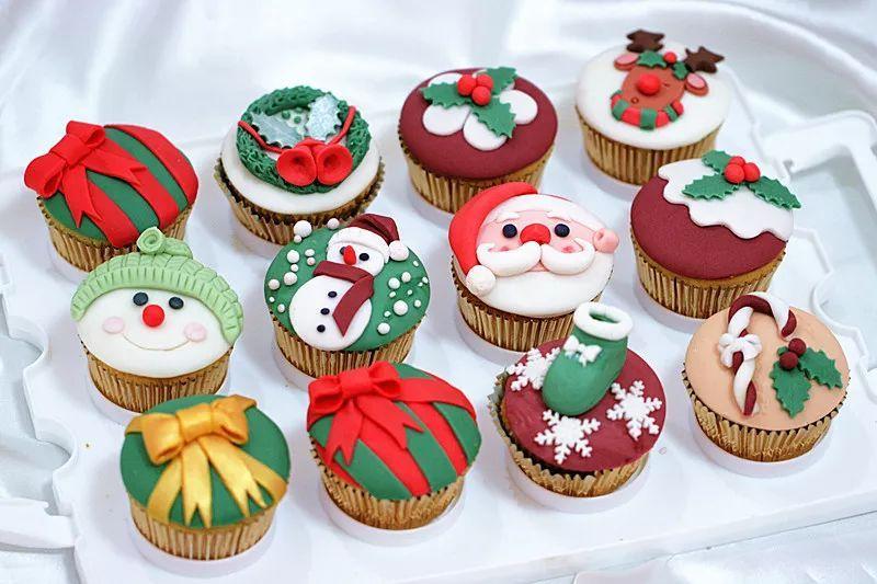 diy巧克力制作_有松饼 蜂鸟面包(7寸),鲜草莓粒,猕猴桃粒,圣女果,巧克力酱,抹茶酱