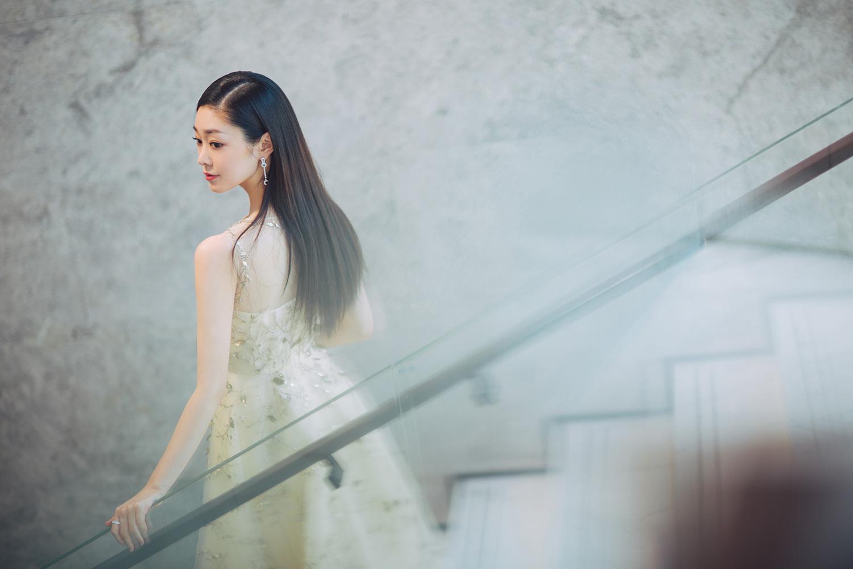 性特级黄录像片_宋轶一袭黄裙惊艳亮相红毯 气质优雅显仙女本色