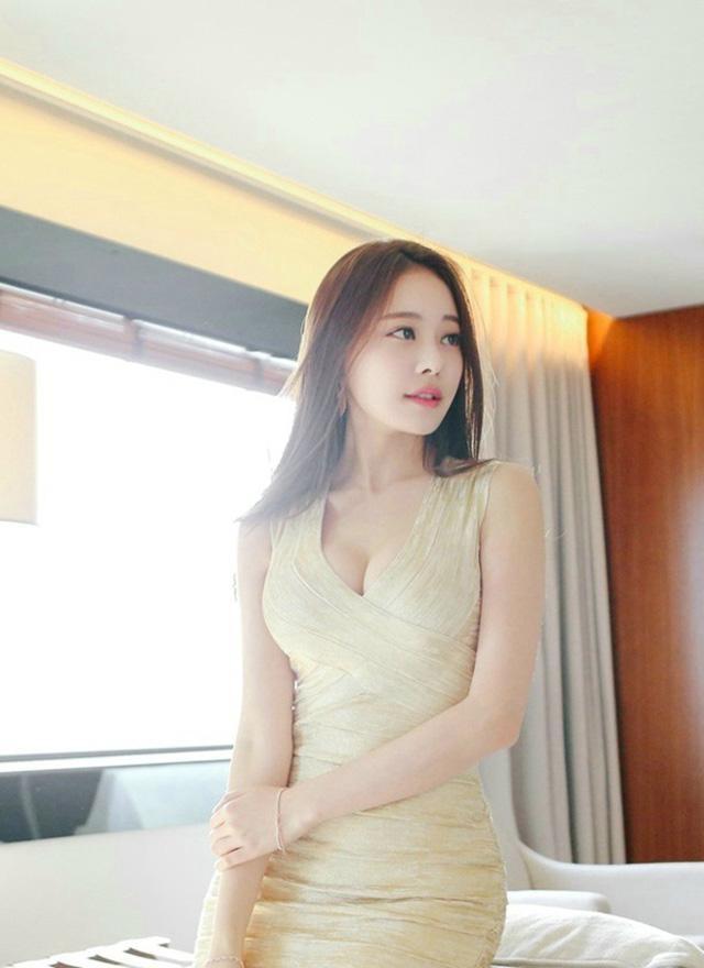 美女嫩鲍囹�a�M\_仙姿玉色的气质美女,白皙超嫩御姐范儿