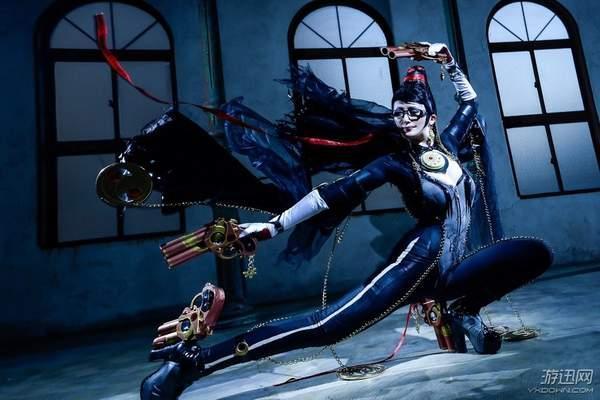 之前luna_miduki还cos过《猎天使魔女2》中的贝姐,短发的造型同样也