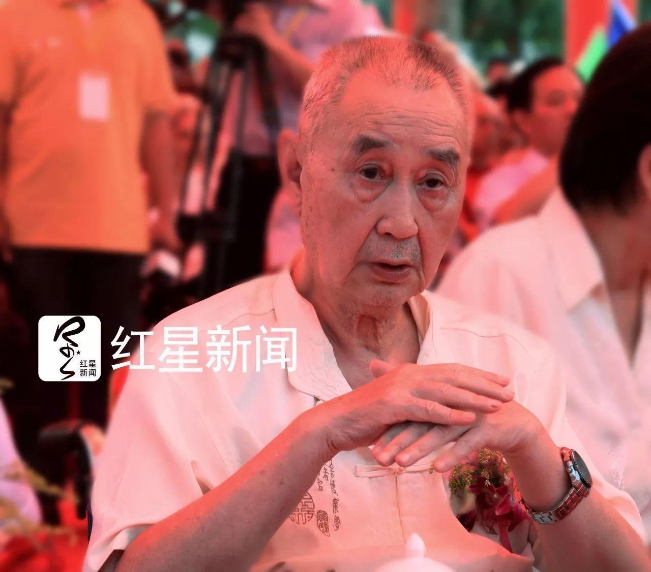 叶挺长子生前视频曝光:父亲飞机摔后,周总理提了一个要求