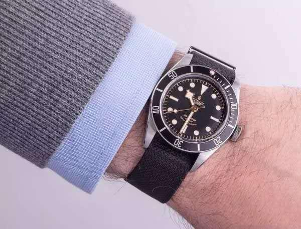 嘉兴手表回收 帝舵手表回收几折多少钱