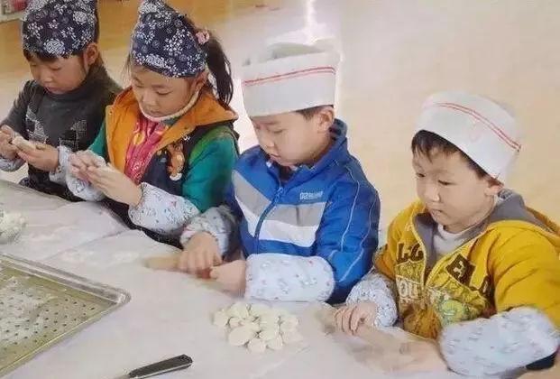 师讯网推荐—幼儿园冬至儿歌,包饺子,手指操,故事