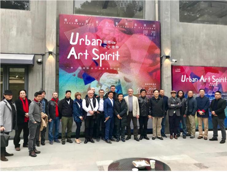 艺术家们写实派画风勾勒出对当代城市精神的感悟和理解