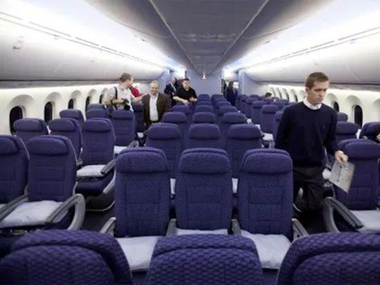 坐飞机千万别选这些座位! 航空公司打死也不肯透露…