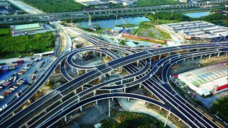 昆山的经济总量会超过南宁吗_昆山经济开发区地图(3)
