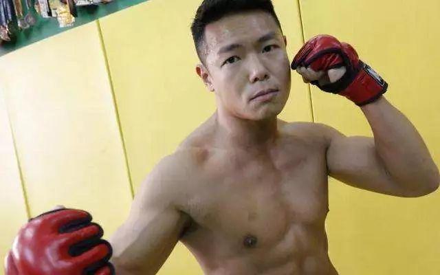 盘点10位TVB肌肉型男, 40寸 42寸腹肌man爆炸