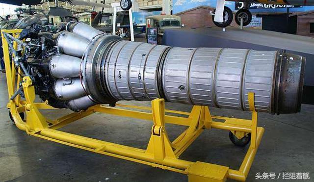 由于vk-1发动机采用的是离心式压气机,与先进的轴流式压气机相比,机身图片