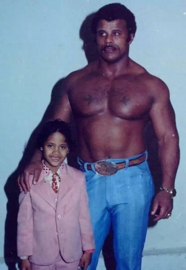 他是摔角界的冠军,好莱坞最具吸金力的男人 推荐