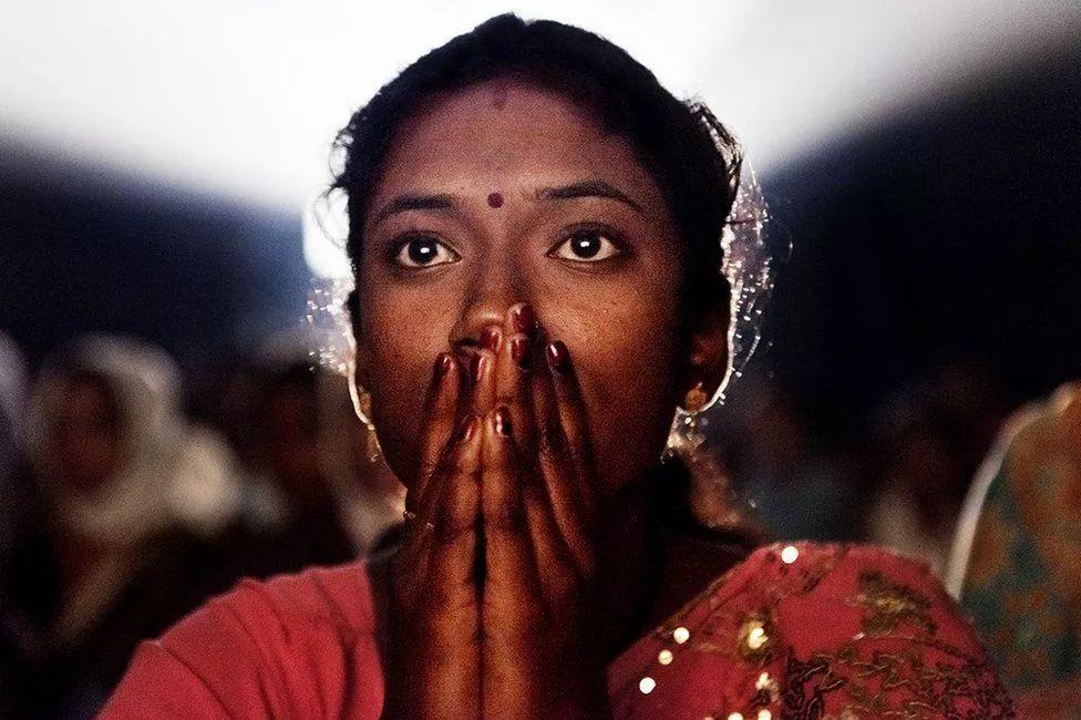 摄影师amit madheshiya于2008年就开始用镜头记录印度著名的流动电影