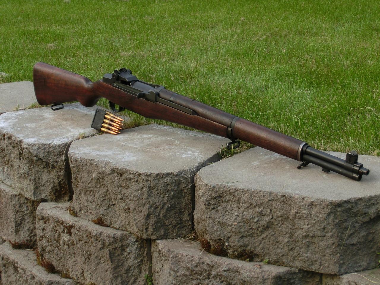 加德兰步枪图片_令无数军迷着迷的美军M1加兰德射击过程