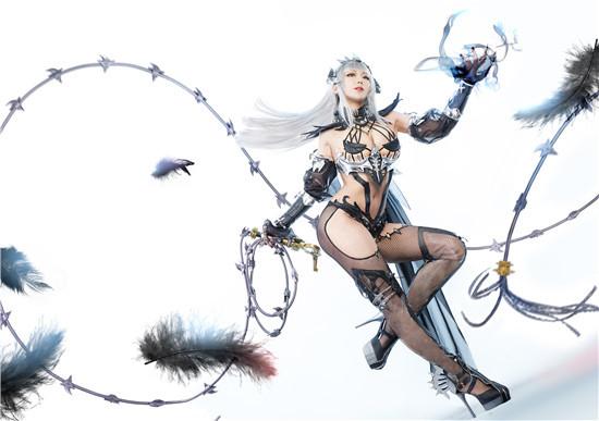 《洛奇英雄传》黑暗女王网袜cos,韩国小姐姐的身材超棒