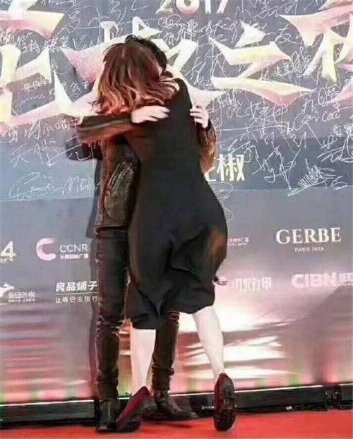 强吻薛之谦的女生被扒出来了,网友:她还强吻过权志龙