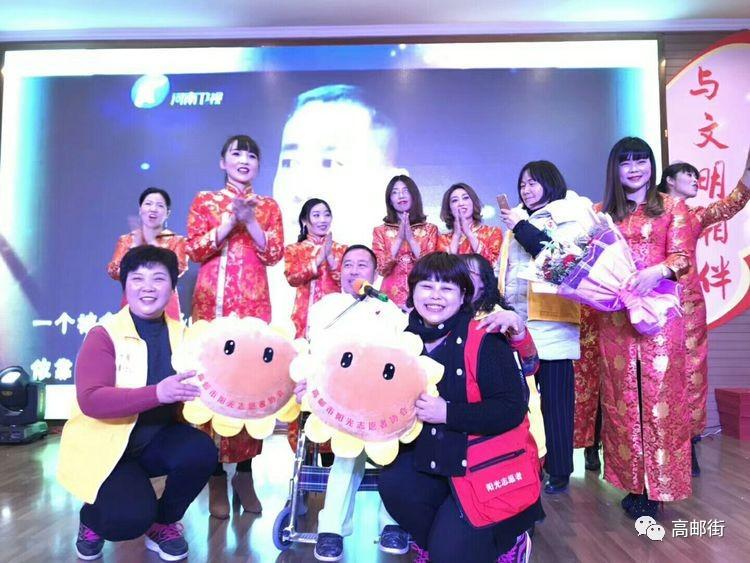 君子老师演唱《中国梦,我的梦》 君子老师演唱《活出个样来给自己看》