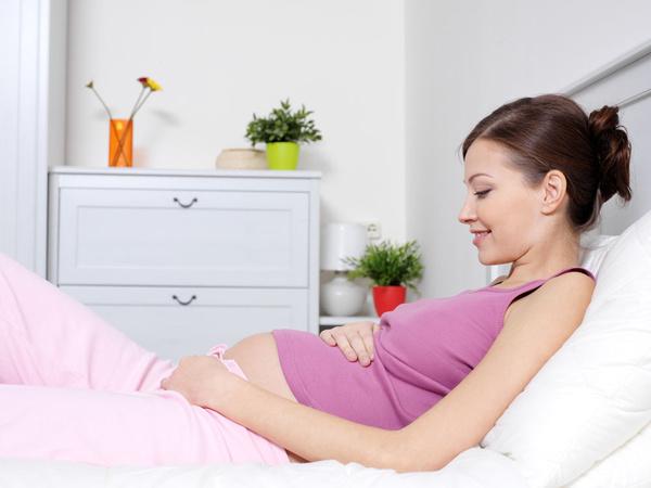 孕期出现自然流产是怎么回事呢?这些原因不容忽视