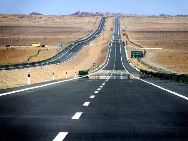 美国55号公路高清图_同美国66号公路媲美!国内这条高速公路光看这景就想潇洒一回!
