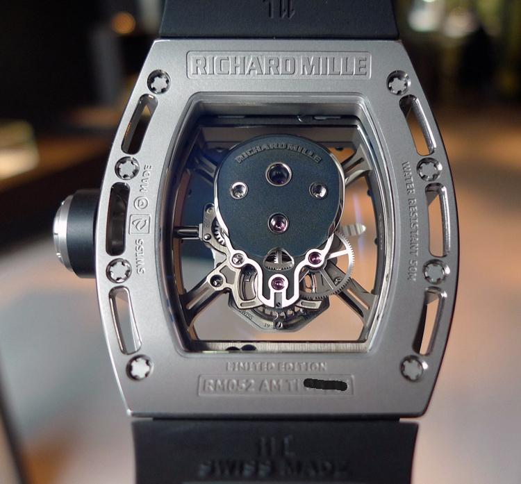 上海徐汇区理查德米勒手表回收RM052骷髅头手表是不是比成龙五百万的手表骚气