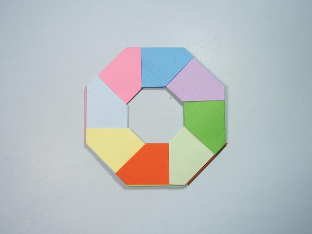 简单的手工折纸:变形飞镖的折法步骤图解