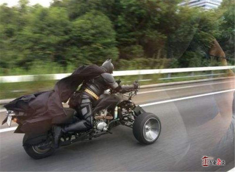 黑娃,你看隔壁的强娃又开上新车了!你还在蹬三轮 - 周磊 - 周磊