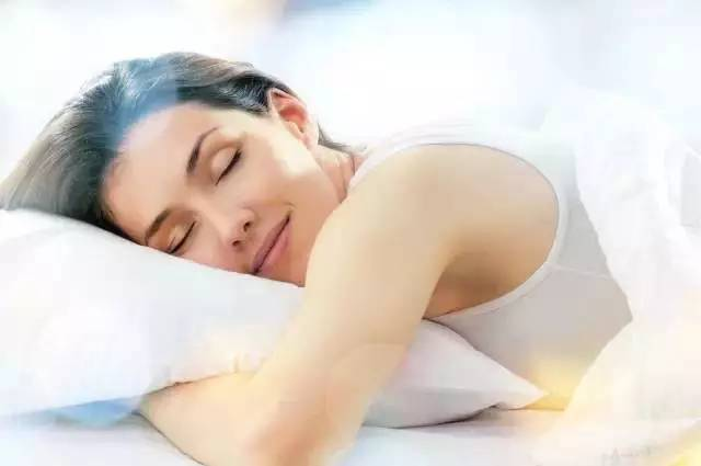 睡觉减肥法图片