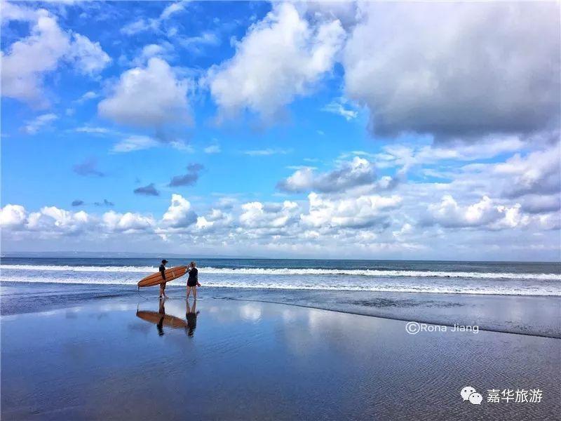 境外游 巴厘岛     图:程刚 图:rona 海滩 每年都会有大量的冲浪爱好