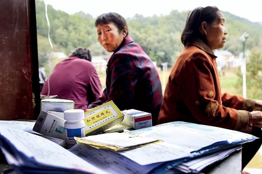 卖血感染,他们是中国最早丙肝患者,一生都在与疾病和金钱缠斗