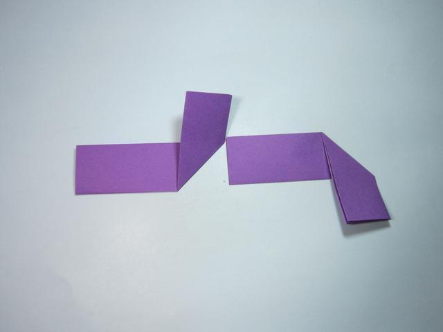 简单的手工折纸:飞镖的折法步骤图解
