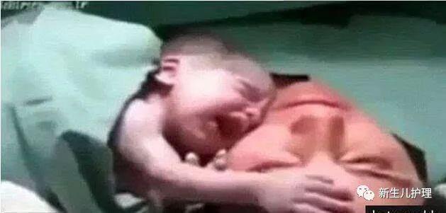 婴儿刚出生神奇的一幕,我的蠢萌男友把在场的