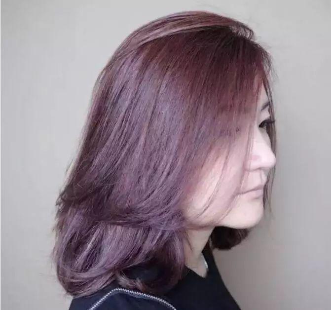 20~30岁女生中长发烫发发型流行趋势!图片