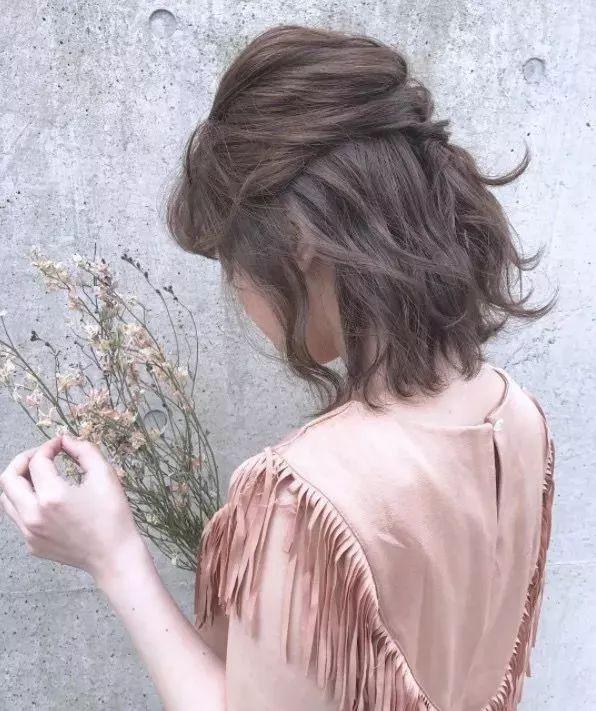 2018要火的5款发型,羊毛卷和耳坠短发简直美呆了