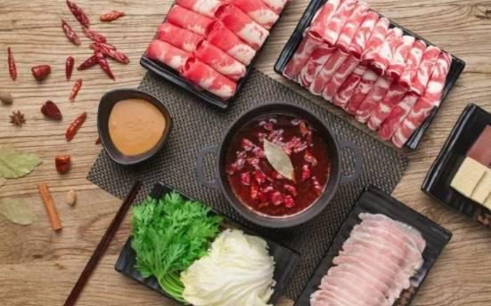 喂食量和喂食量飙升了15%。海底捞上涨了6%。阐明师:餐饮业在下半年进入旺季