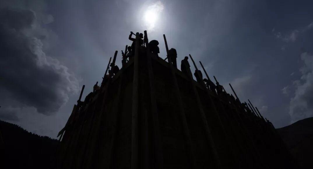 国内首部大型川藏纪录片《香巴拉