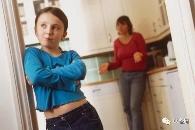 """我为什么要跟老师合计,女士挎包非得让孩子"""""""