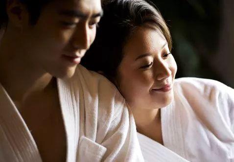 夫妻��d�9f�x�~j�>�X_两个人适合做夫妻的十个条件,五个以上便可结婚了,你们有几个?