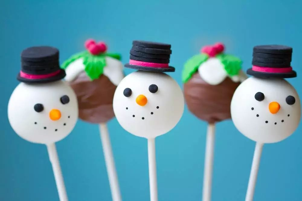 snowman and christmas pudding cake pops