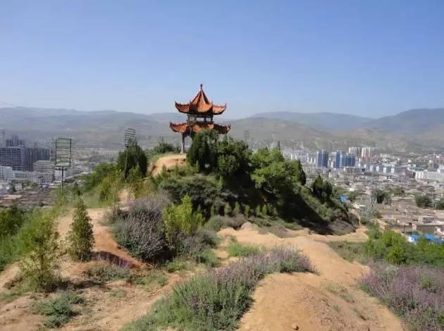"""鼓山,旗山三山组成,誉为""""三台见象"""",为漳县古八景之一,是漳县旅游景点图片"""