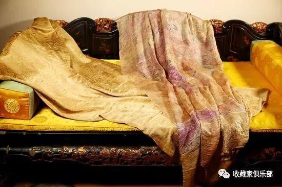历史 正文  此织金缂丝陀罗尼经被的织法非常精细,就跟我们说零点零几