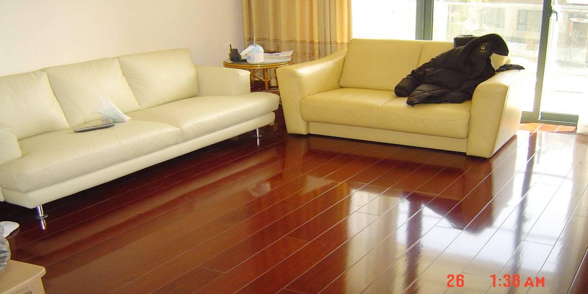 北方的地暖更适合用木地板还是地砖?