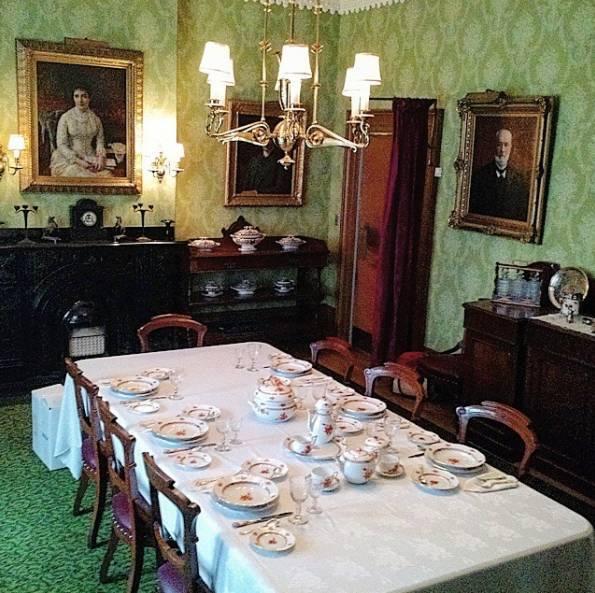 平安夜,坐在一起暖暖的喝个茶,让你感受皇室的奢侈日常!