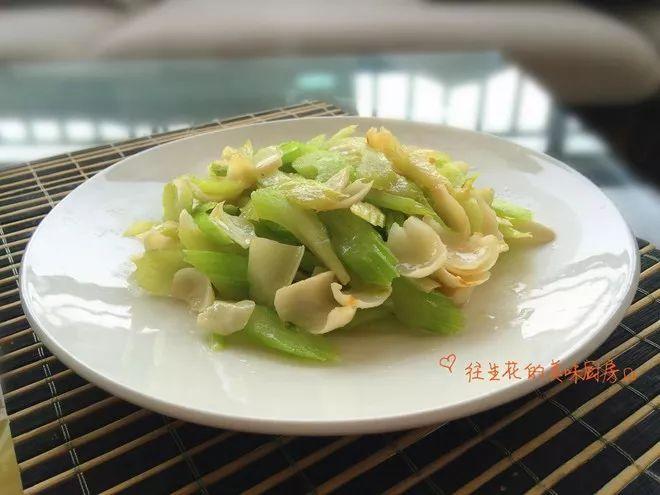 冬季方法物燥,10道食谱百合帮你安神,养胃,润肺浙江天干的腌制腊肉图片