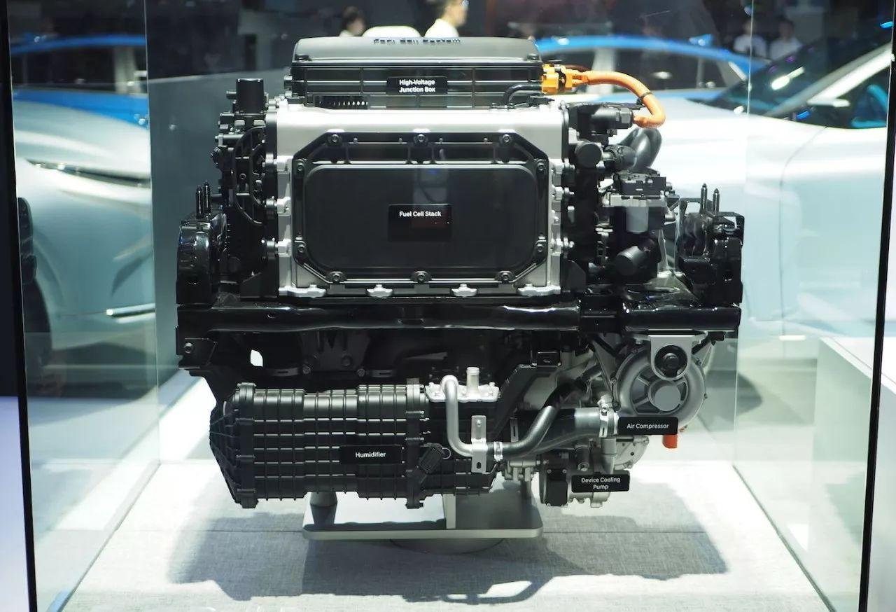 从 2013 年开始,现代汽车研发出世界首款量产氢燃料电池车型——tucson 氢燃料电池汽车,此后一直致力于推动氢燃料电池汽车的普及应用