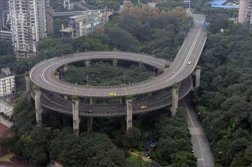 """10,传说中的""""夺命转盘"""",全方位720°旋转立交,是重庆哪座立交桥?"""