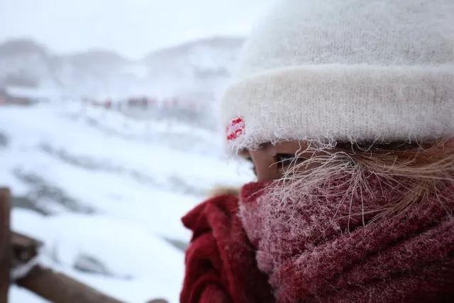 在零下30°的长白山 赏景泡温泉是怎样一种体验