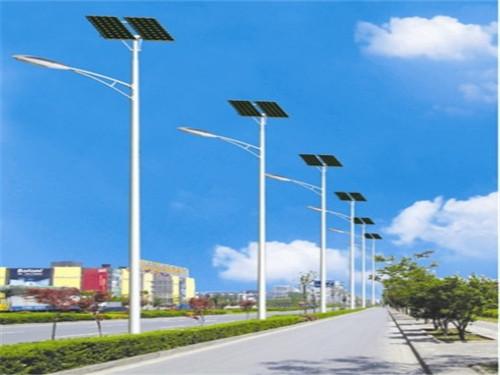三门峡路灯 维护太阳能路灯时该注意什么?图片