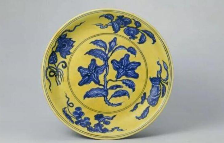 明代黄釉瓷器的时代特征,黄釉真的值钱?_黄色